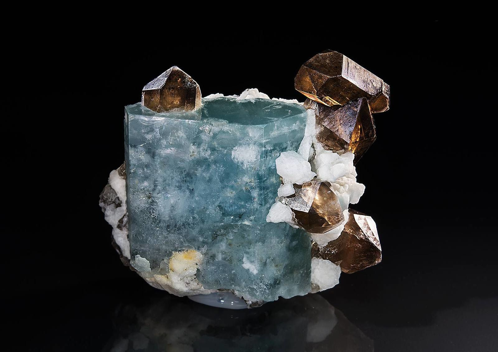 "AquaMarine with Smoky quartz (specimen and photo by ""Saphiraminerals"")"