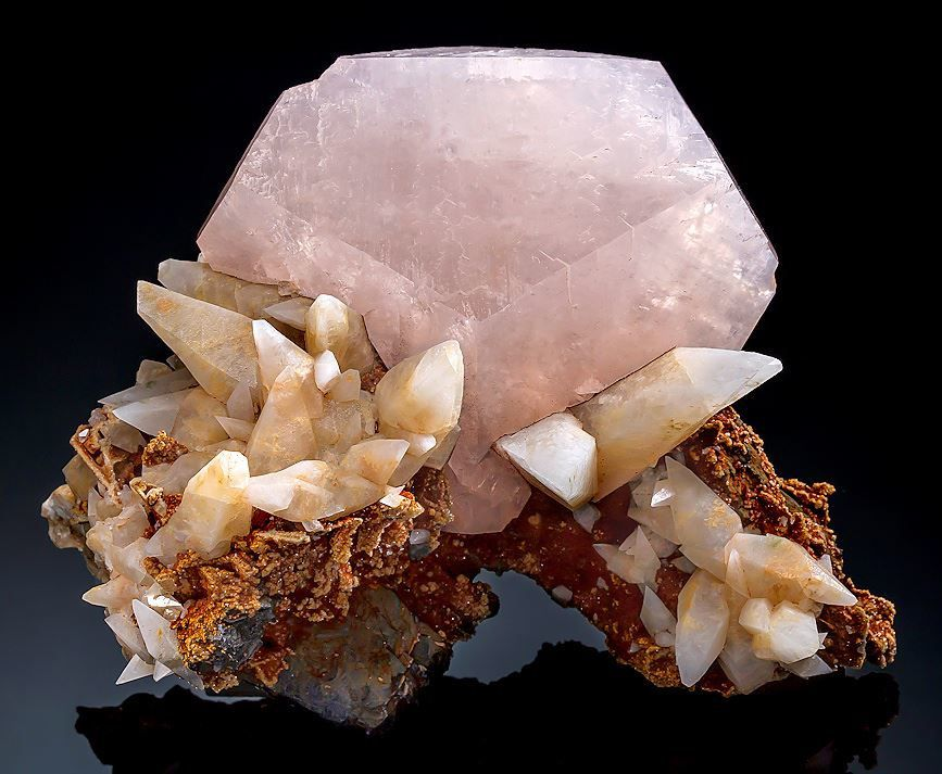 Calcite from Dal negorsk, Primorskiy Kray, Russia (private collection)