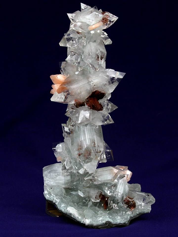 Apophyllite stalactite with Stailbite and Heulandite from India (specimen and photo by Gargoti Mineral India)