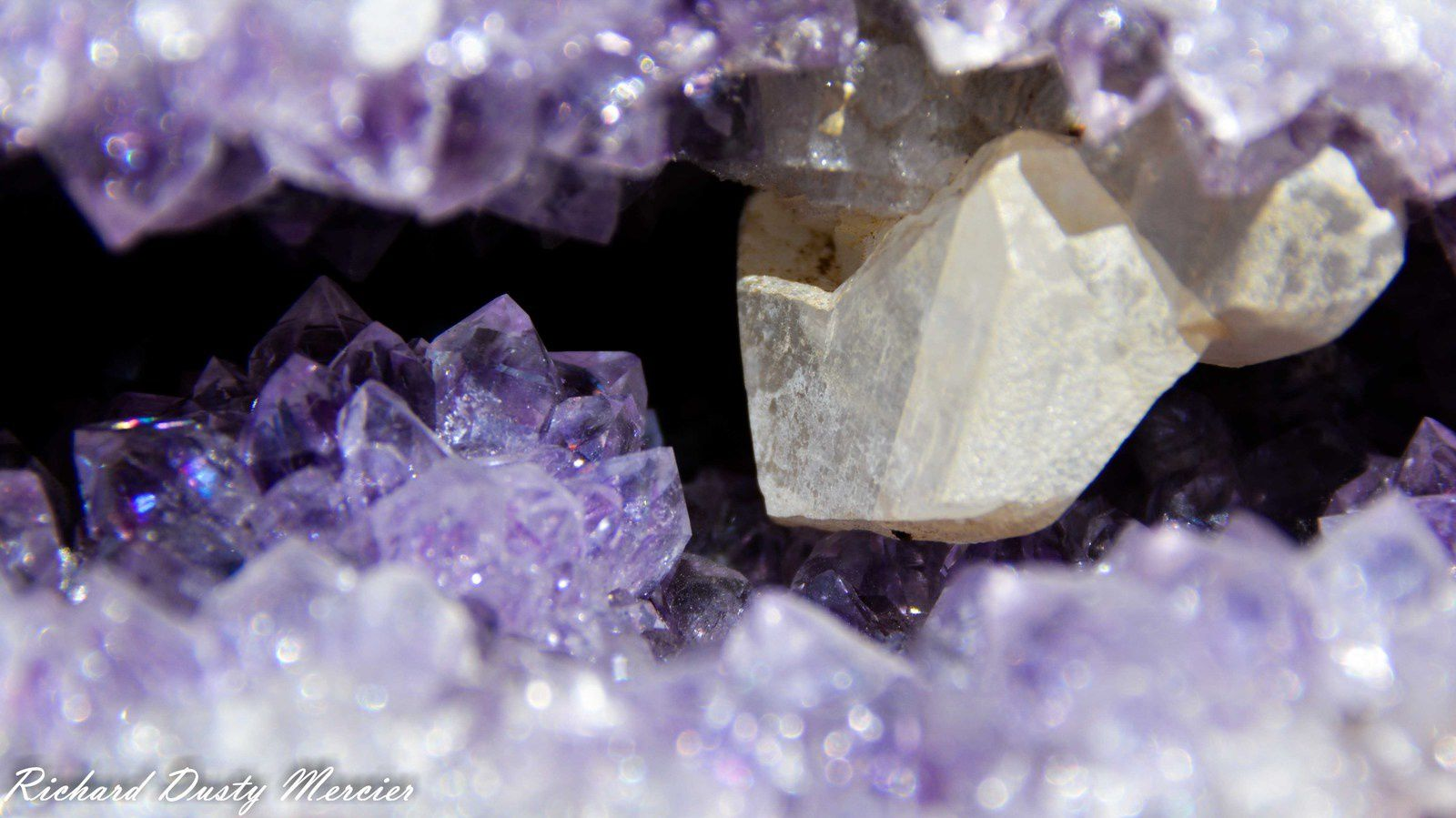 Amethyst (Améthyste) and Calcite in Geode from Artigas Mines, Uruguay (size: Cabinet)