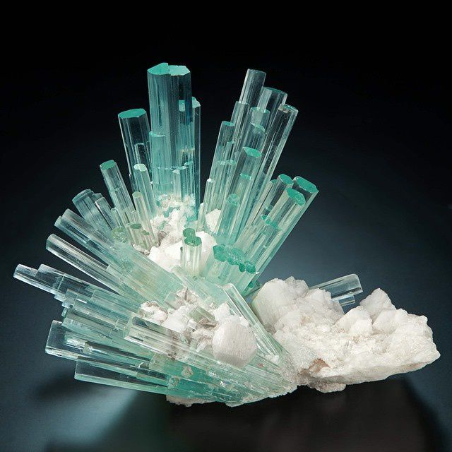 Aquamarine (Aigue Marine) from Shigar, Pakistan (specimen: Marcus Budil, photography: Malte Sickinger)
