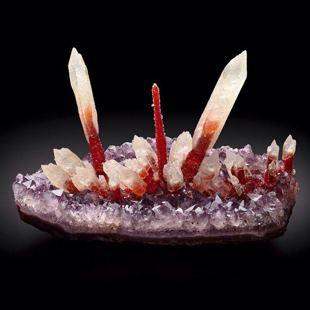 Calcite on Amethyst from Irai, Brazil (specimen: Fine Mineral International, photography: James Elliott)