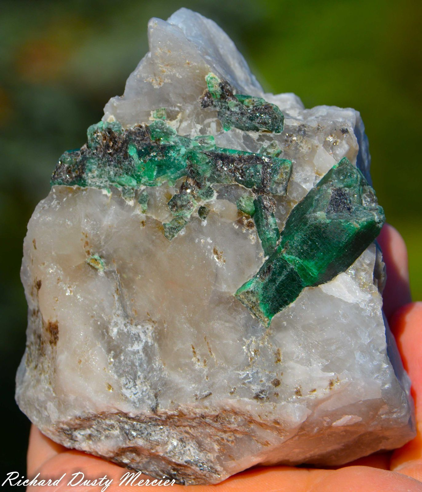 Emerald (Emeraude) on Quartz from Bahia, Brazil (size: Small cabinet)