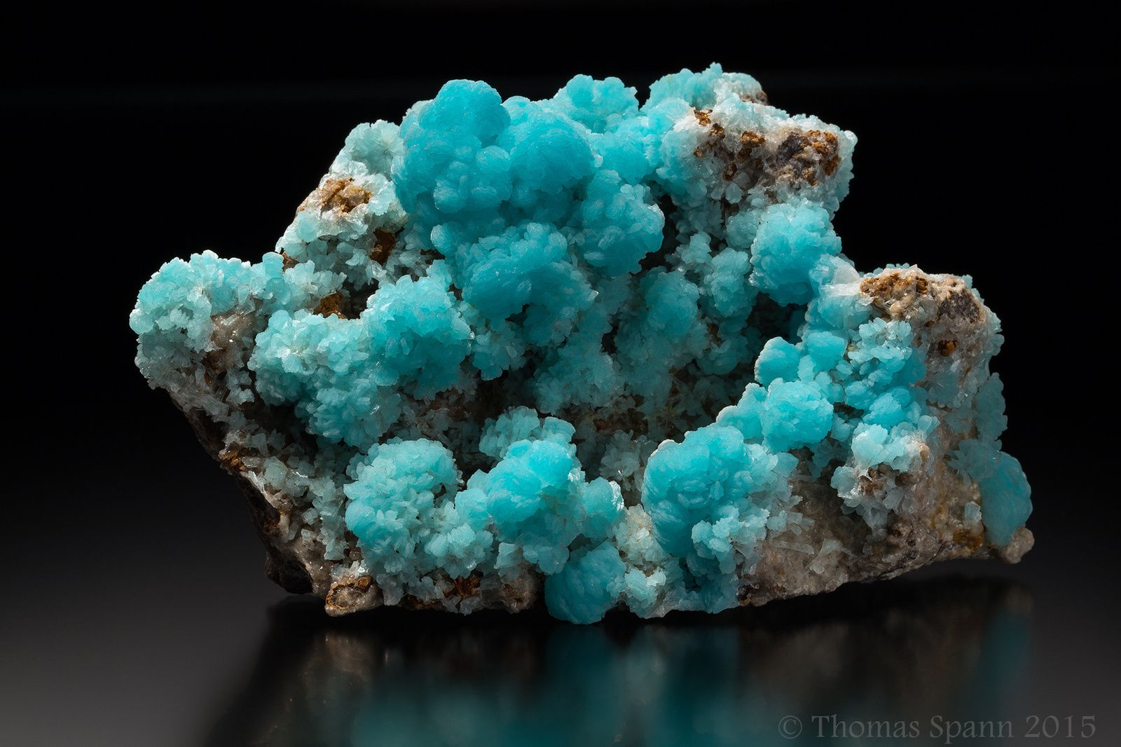 Hemimorphite from M'Fouati, Brazzaville, Congo (specimen and photo by Thomas Spann)