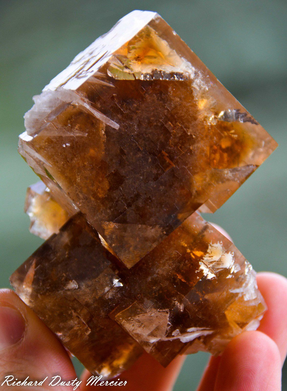 Fluorite (Fluorine) with Célestine from Clay Center, Ohio, USA (size: Small cabinet)