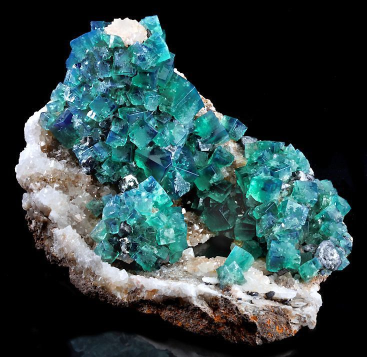"Fluorite from Rogerly Mine, England (Photo: ""Forodeminerales"")"
