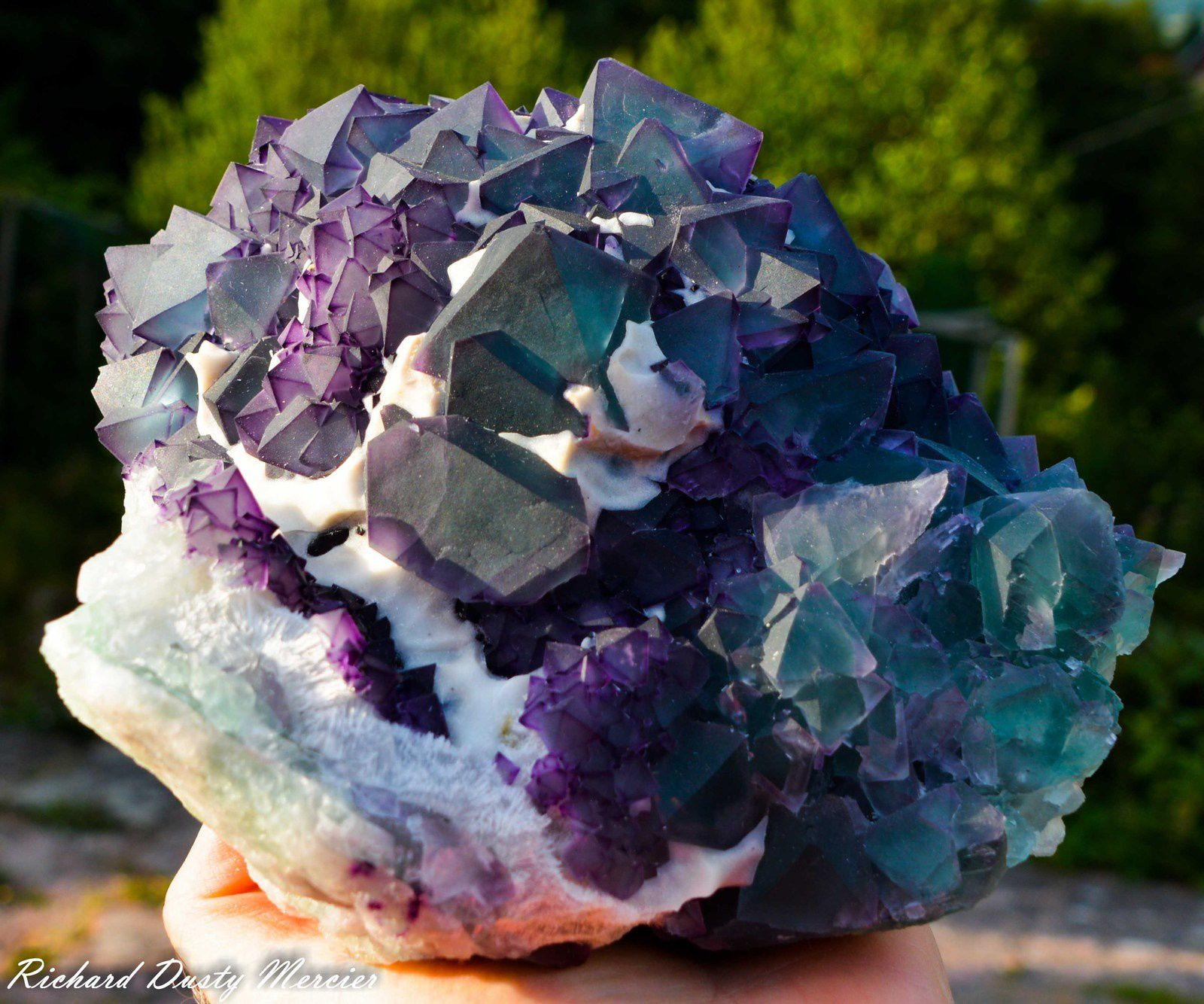 Fluorite octahedron (Octoédre) from De'an Mine, Jiangxi, China