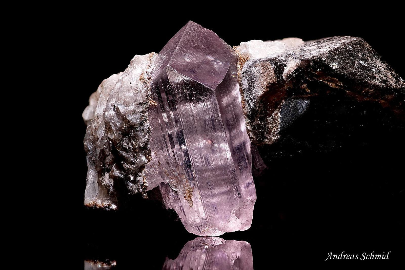 Kunzite (specimen and photo by Andreas Shmid)