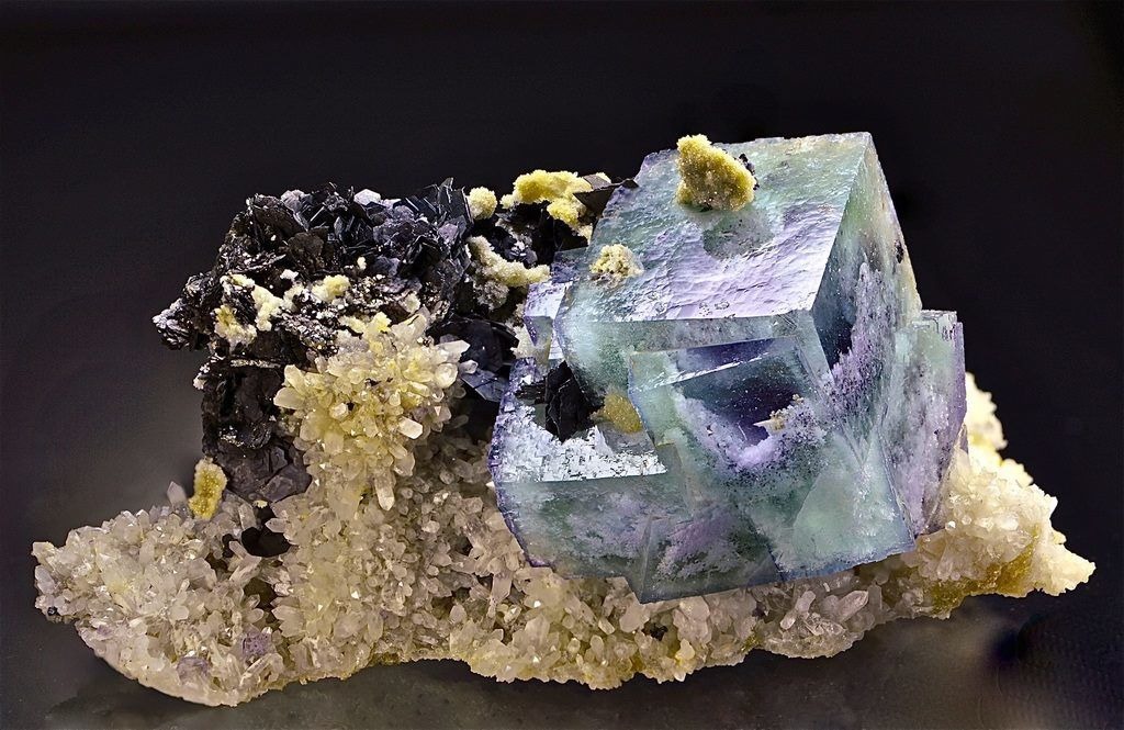 Fluorite Arsenopyrite Quartz from China (specimen and photo by Rudolf Hasler)