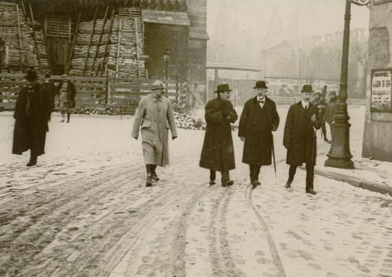 Le 4 mars 1918, visite du ministère de l'instruction, Monsieur Lafferre
