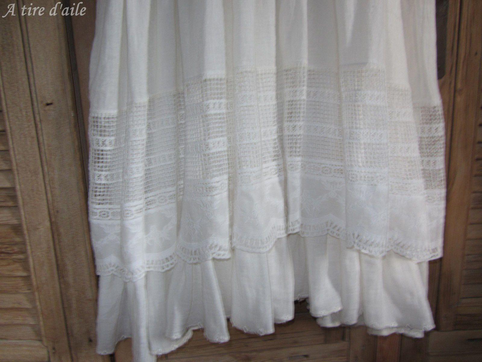 Une belle robe en lin/coton blanc.