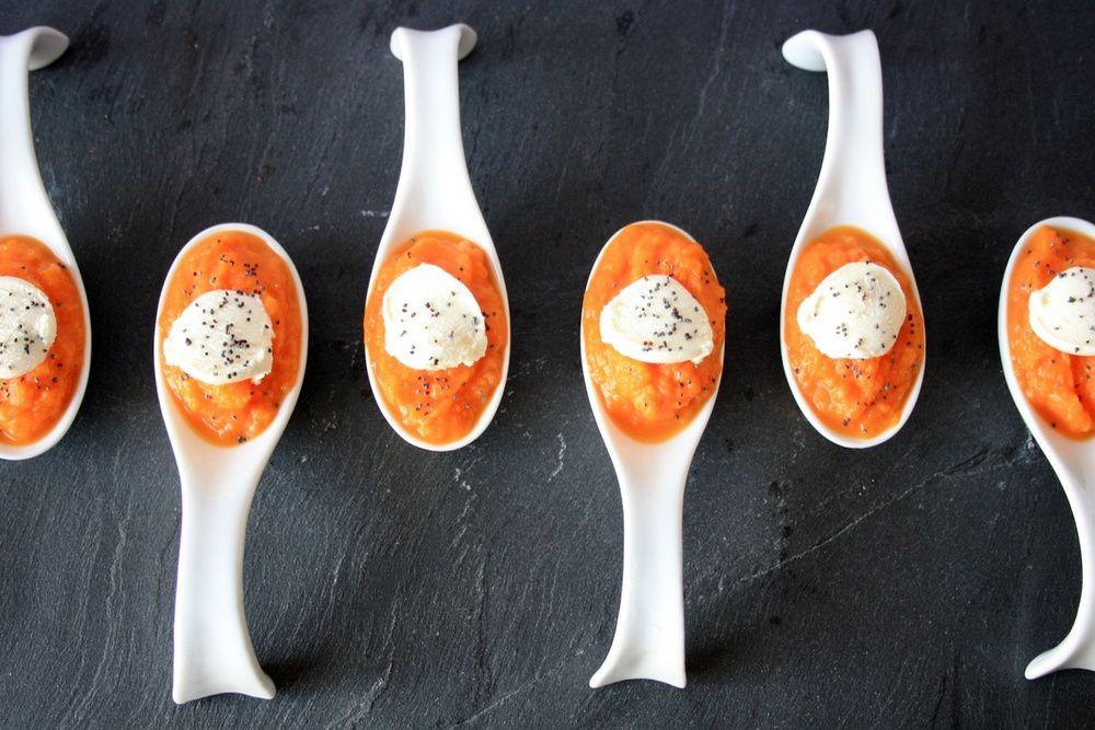 Cuillères apéritives à la carotte, cumin et fromage frais