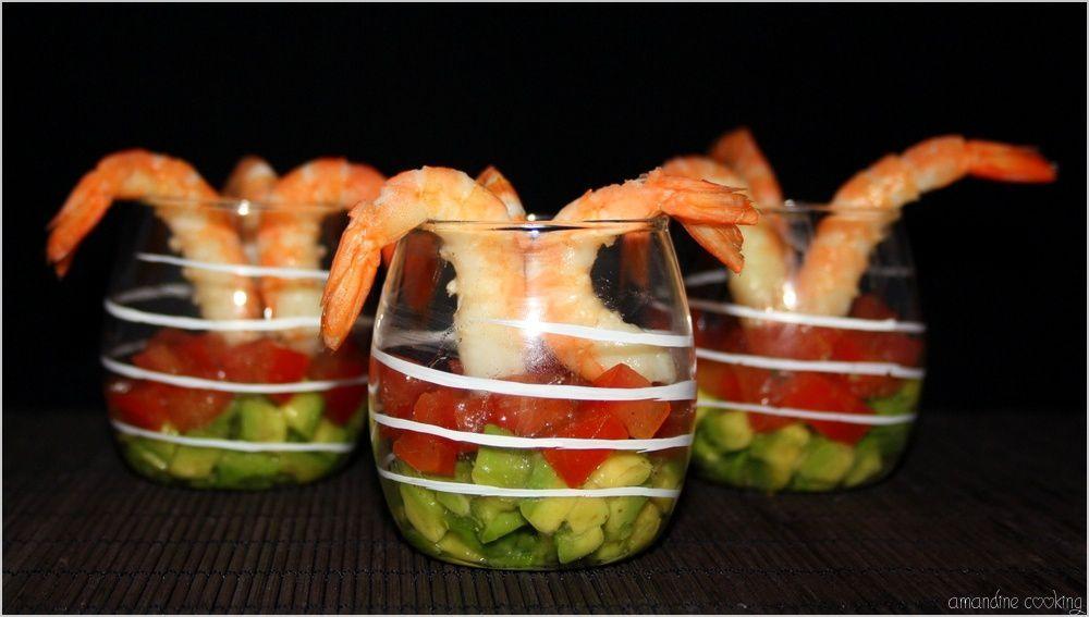 Verrines au tartare d'avocat - tomate et crevettes
