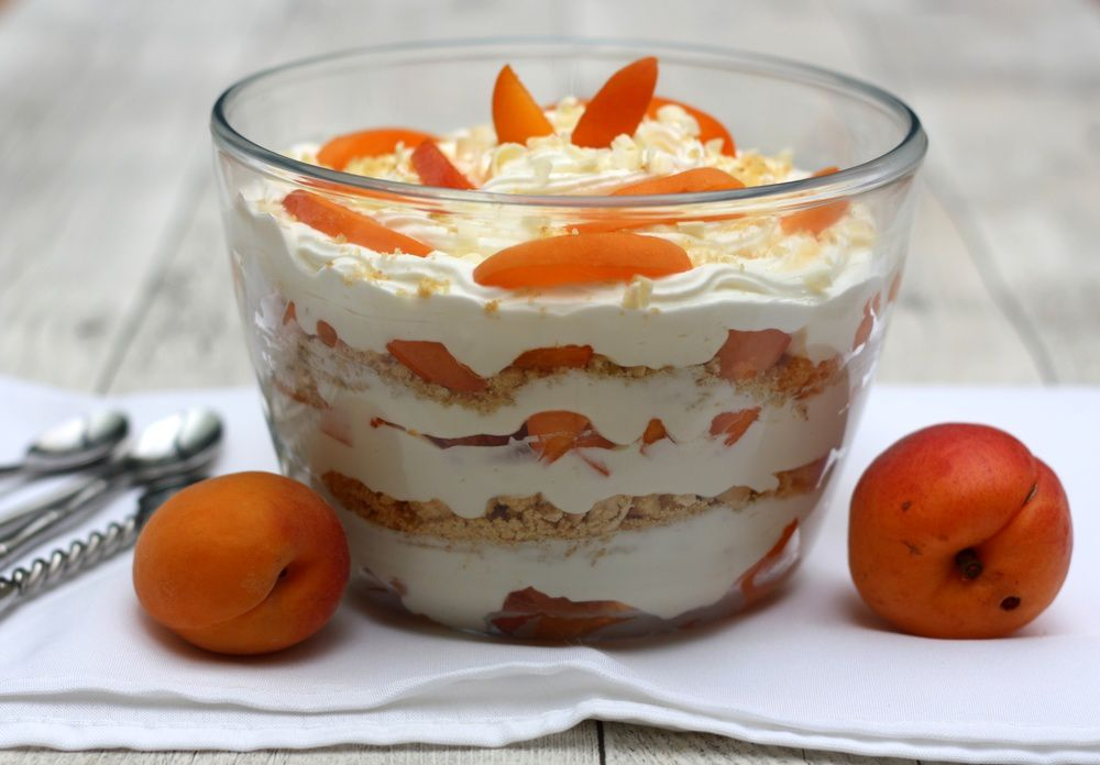 trifle aux abricots chocolat blanc et amandes amandine cooking. Black Bedroom Furniture Sets. Home Design Ideas