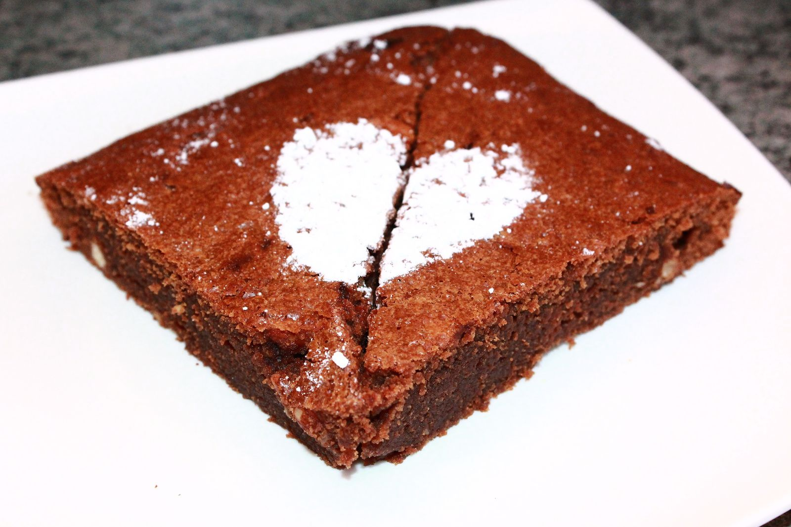 BROWNIE CHOCOLAT/CARAMEL/NOISETTES