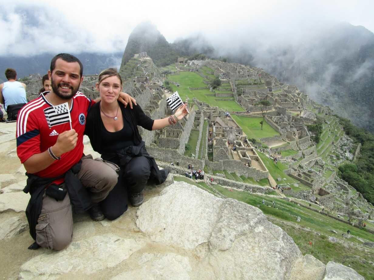 PEROU : Devant les ruines du Machu Picchu