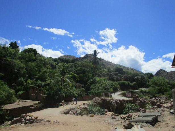 Petite halte très appréciable dans le petit village de Balsas afin d'acheter quelques bananes et du jus de coco, mais aussi de profiter du soleil quelques minutes