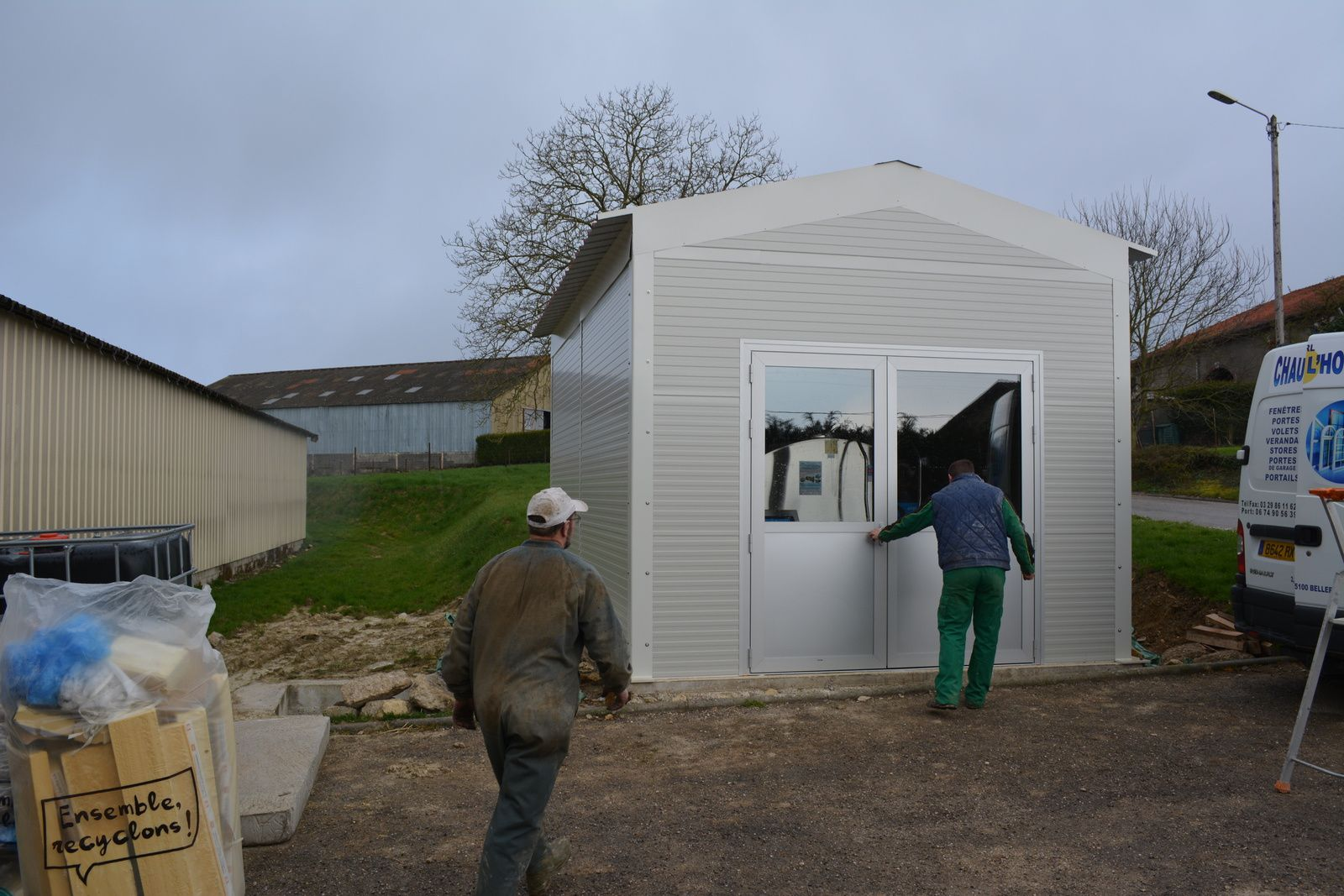 Kit extérieur : Salle de traite pour tank à lait de 24000 litres