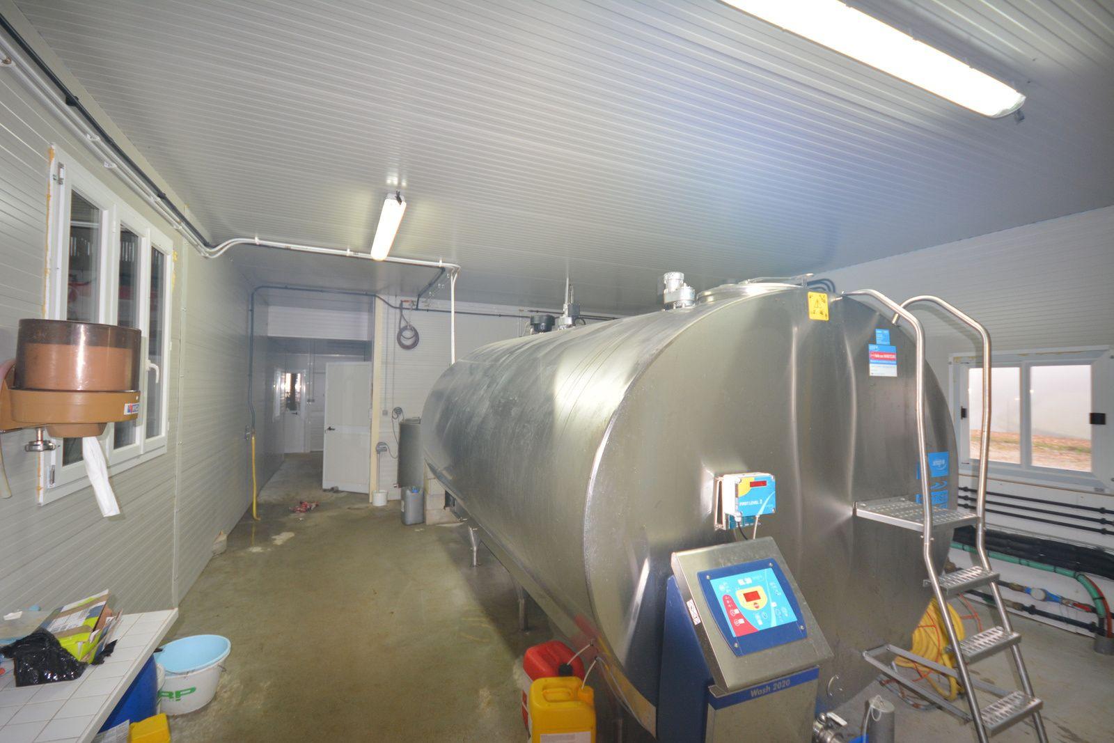 Vitrac 15220 salle de traite robot de traite et laiterie stm modules bureaux et - Salle de l esprit et du temps ...