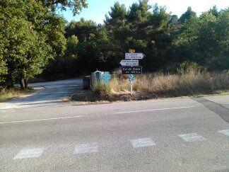 Le croisement, tout à droite direction la vallée du Toulourenc