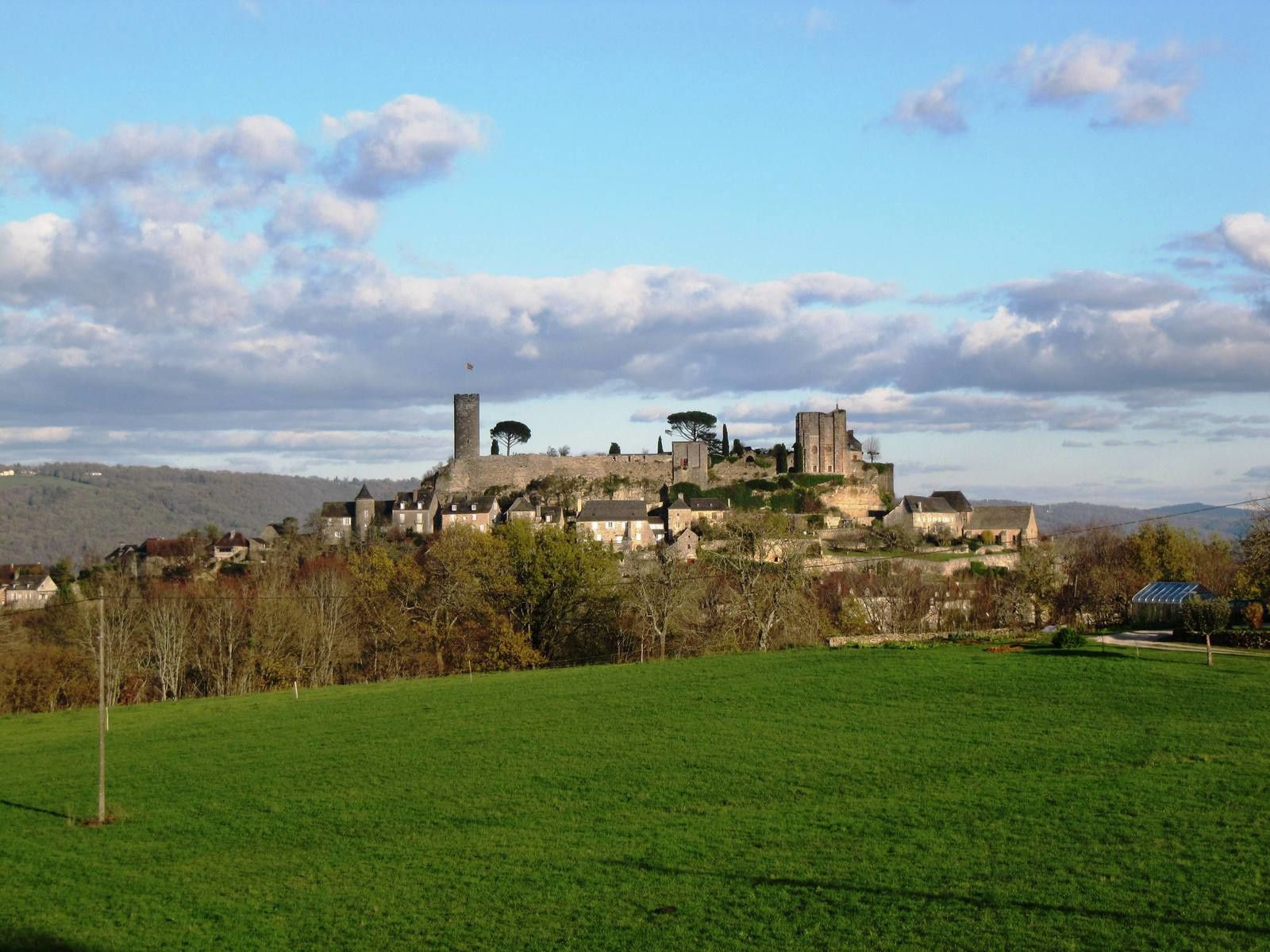 Vue sur le château de Turenne