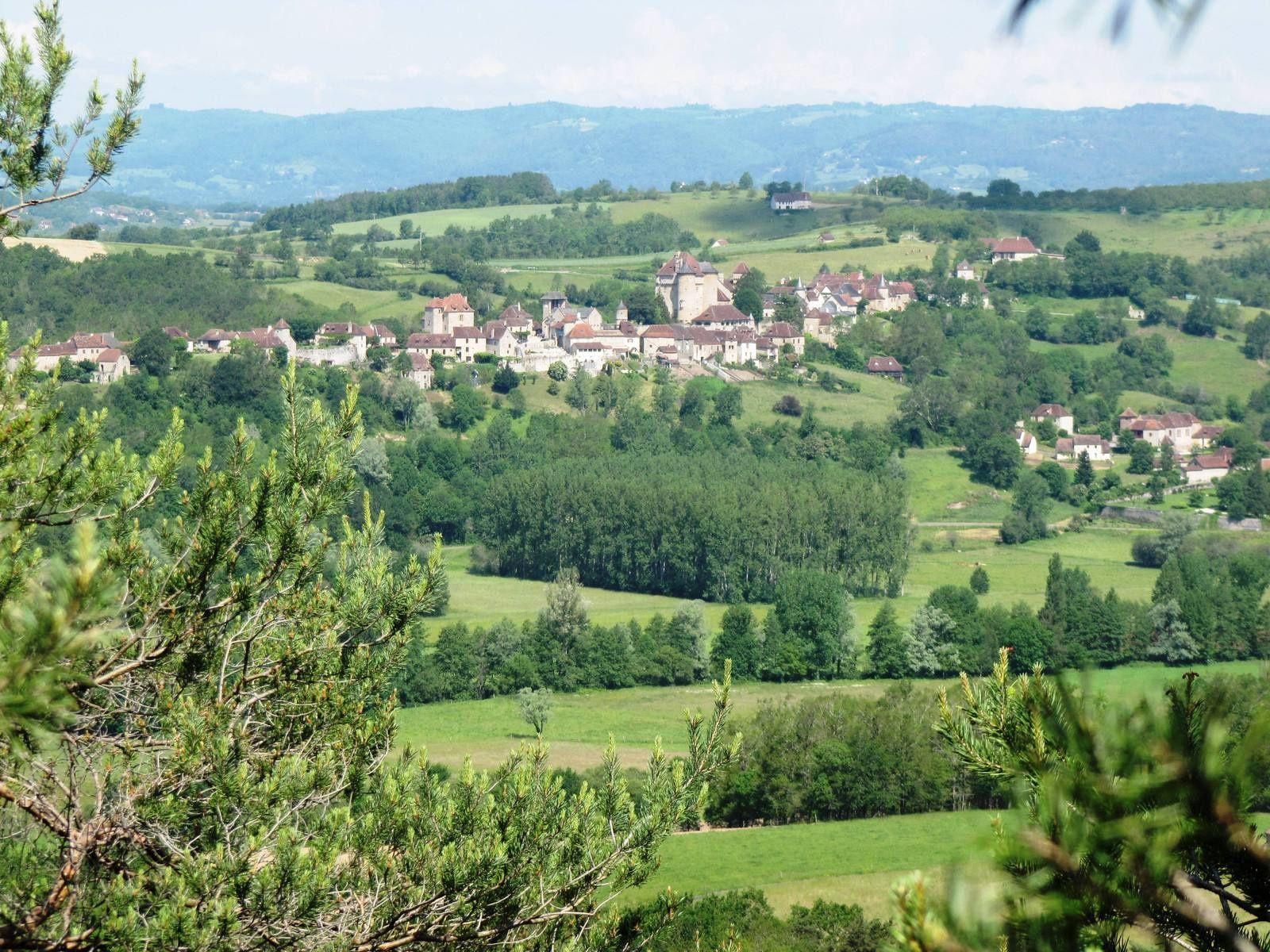 Vue sur le village de Curemonte