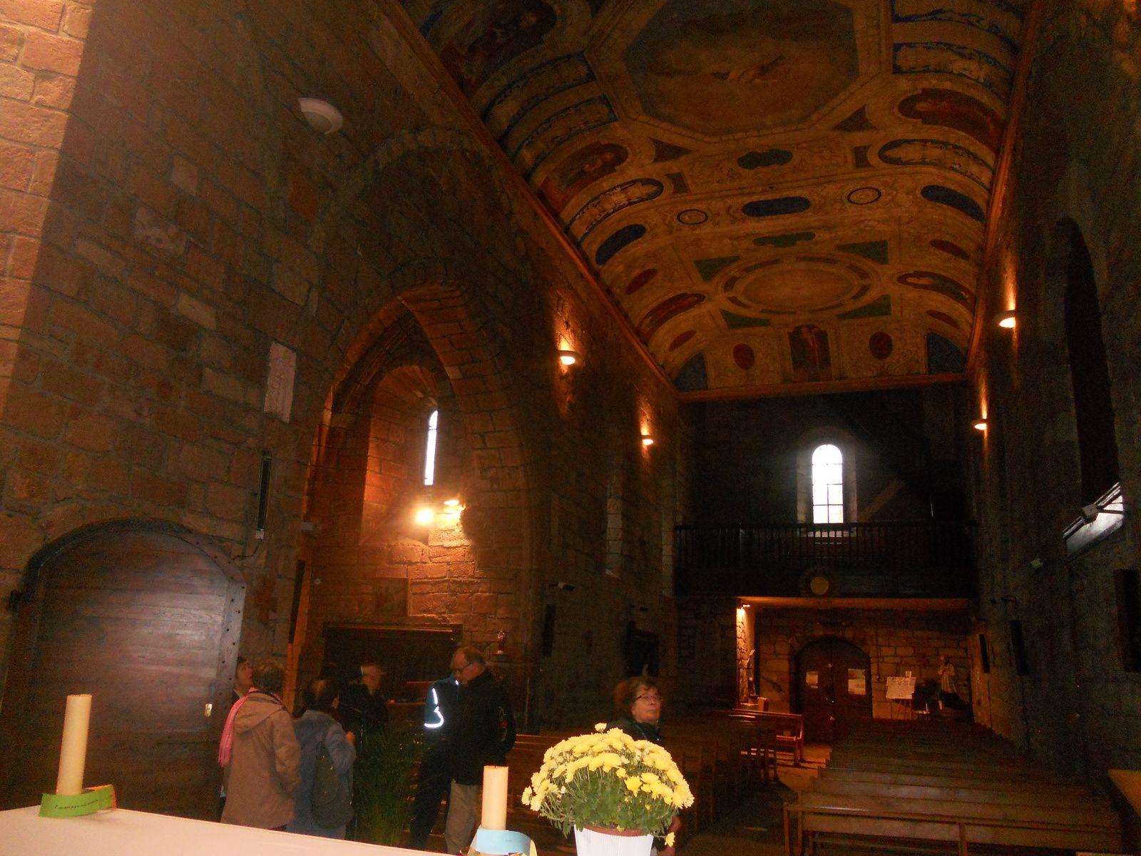 L'église de COSNAC et son magnifique plafond.