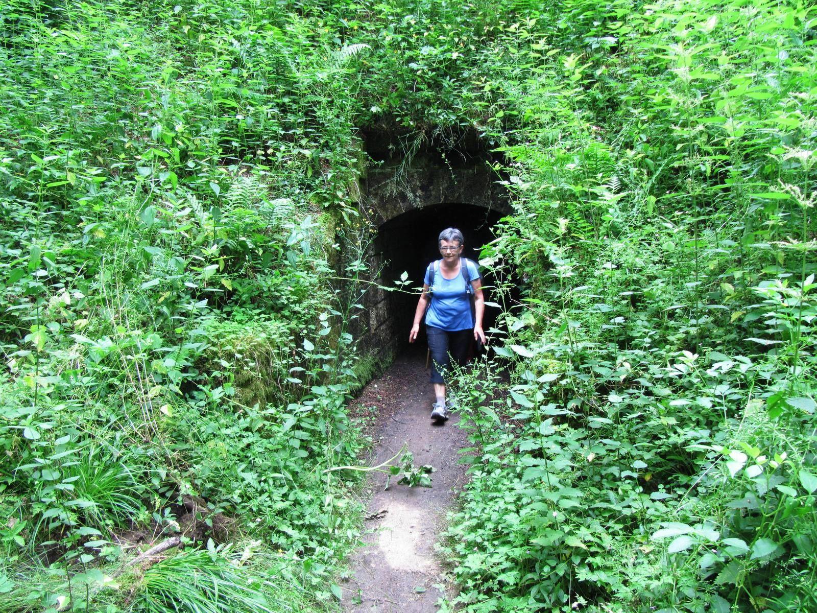Un petit tunnel.