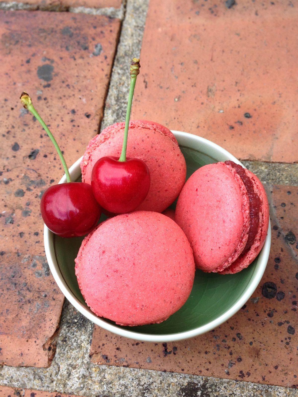 Macarons cerise-framboise