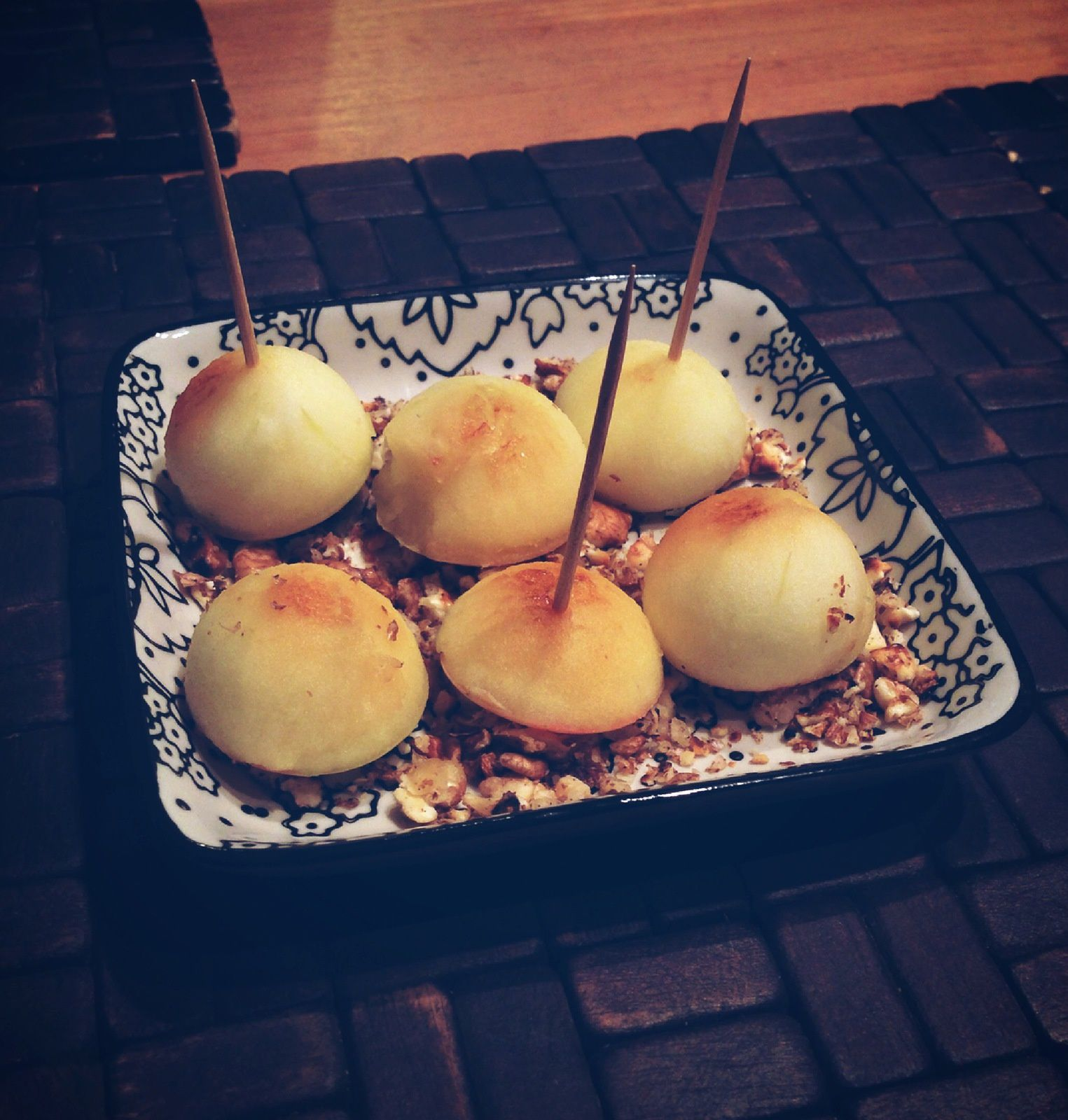 Pomme, fromage, noix