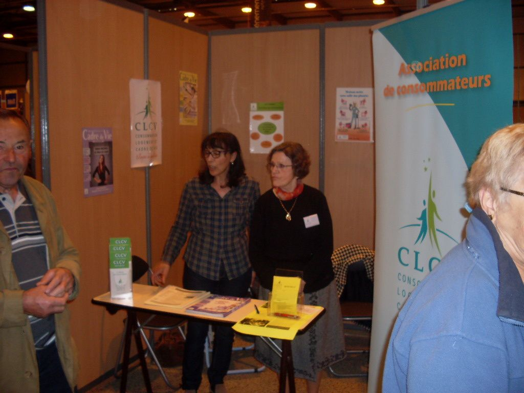 Salon des seniors la roche la clcv tient un stand for Salon seniors