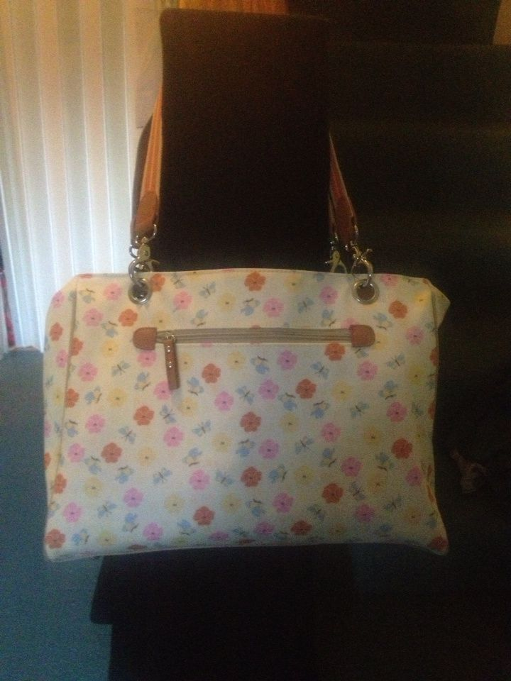 In The Pink with gorgeous changing bags #ProductReview