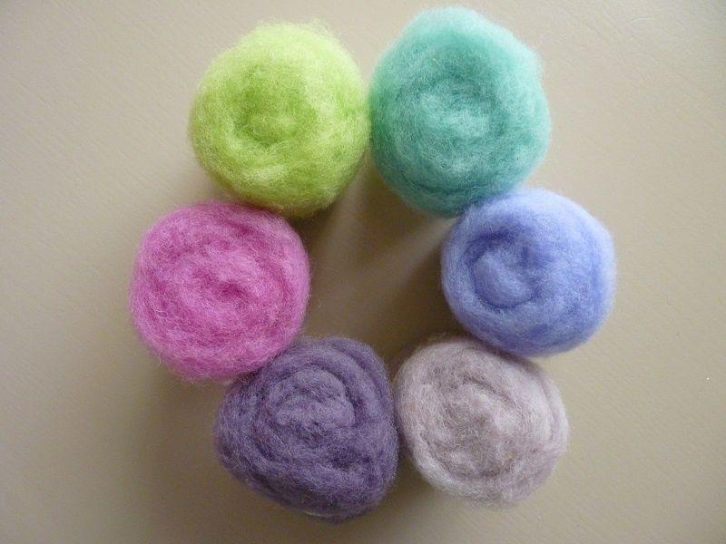 Pelote de laine cardée : 35 couleurs lumineuses pour tous vos projets
