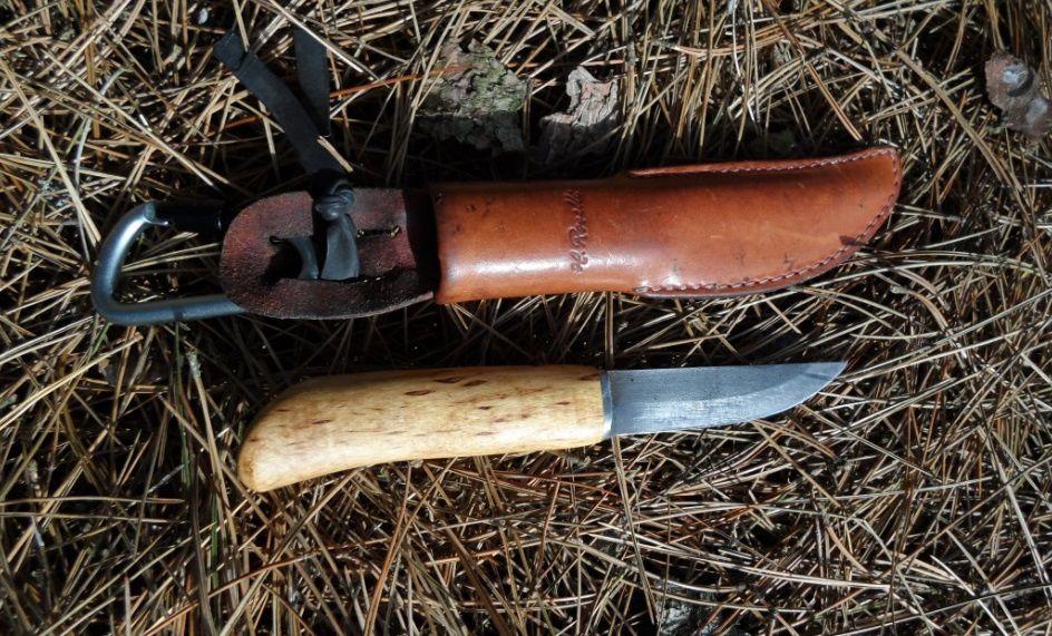 """Mon Roselli """"Carpenter"""". Lame en acier au carbone, non inoxydable. L'outil parfait pour travailler le bois. Photo: P.O.C."""