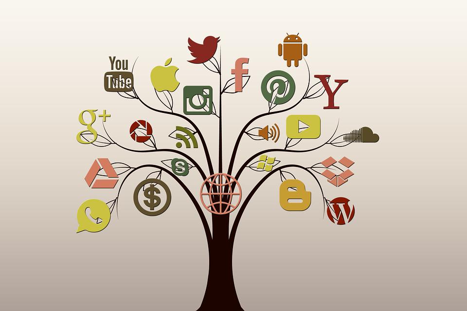 &quot&#x3B;la Maçonne&quot&#x3B; sur les réseaux sociaux.