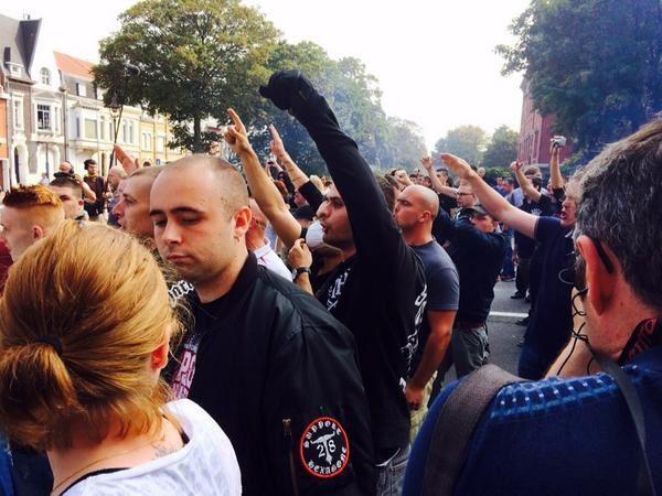 Calais : dérapages nazis lors d'un rassemblement anti-migrants