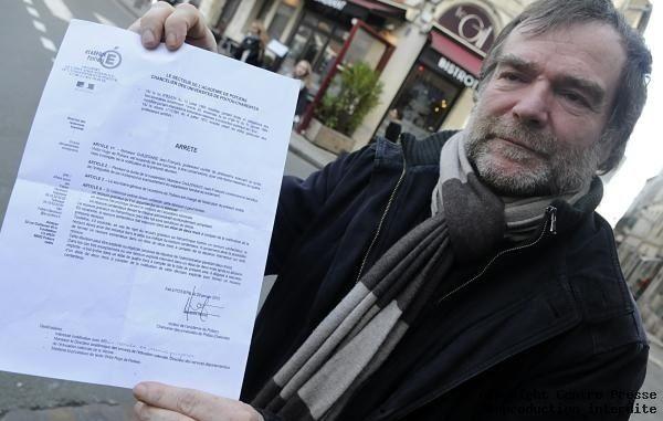 Jean-François Chazerans a reçu le courrier lui, notifiant sa suspension. Aucun motif n'est indiqué.