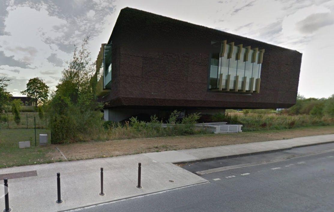 [Université Paris-Est] La nouvelle bibliothèque est interdite au public