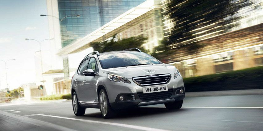 Peugeot 2008 with Grip Control technology / Peugeot 2008 in urban area