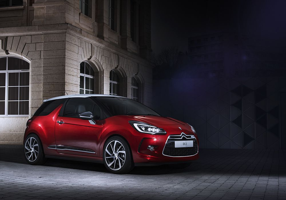 DS 3 &amp&#x3B; DS 3 CABRIO : NEW LIGHT SIGNATURE