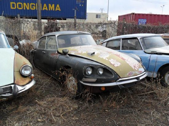 citroen ds junkyard in the usa fcia french cars in america. Black Bedroom Furniture Sets. Home Design Ideas
