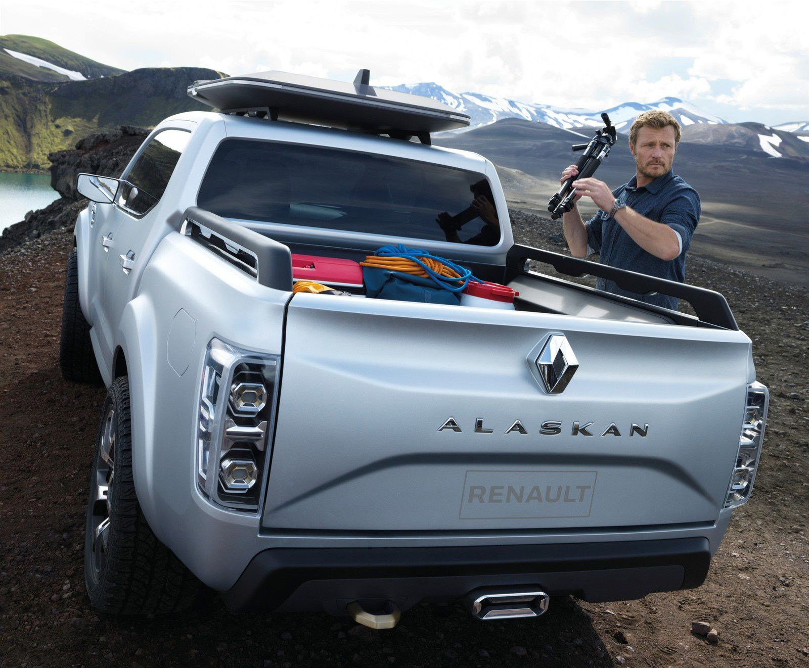 RENAULT ALASKAN - THE TRUCK FROM FRANCE !