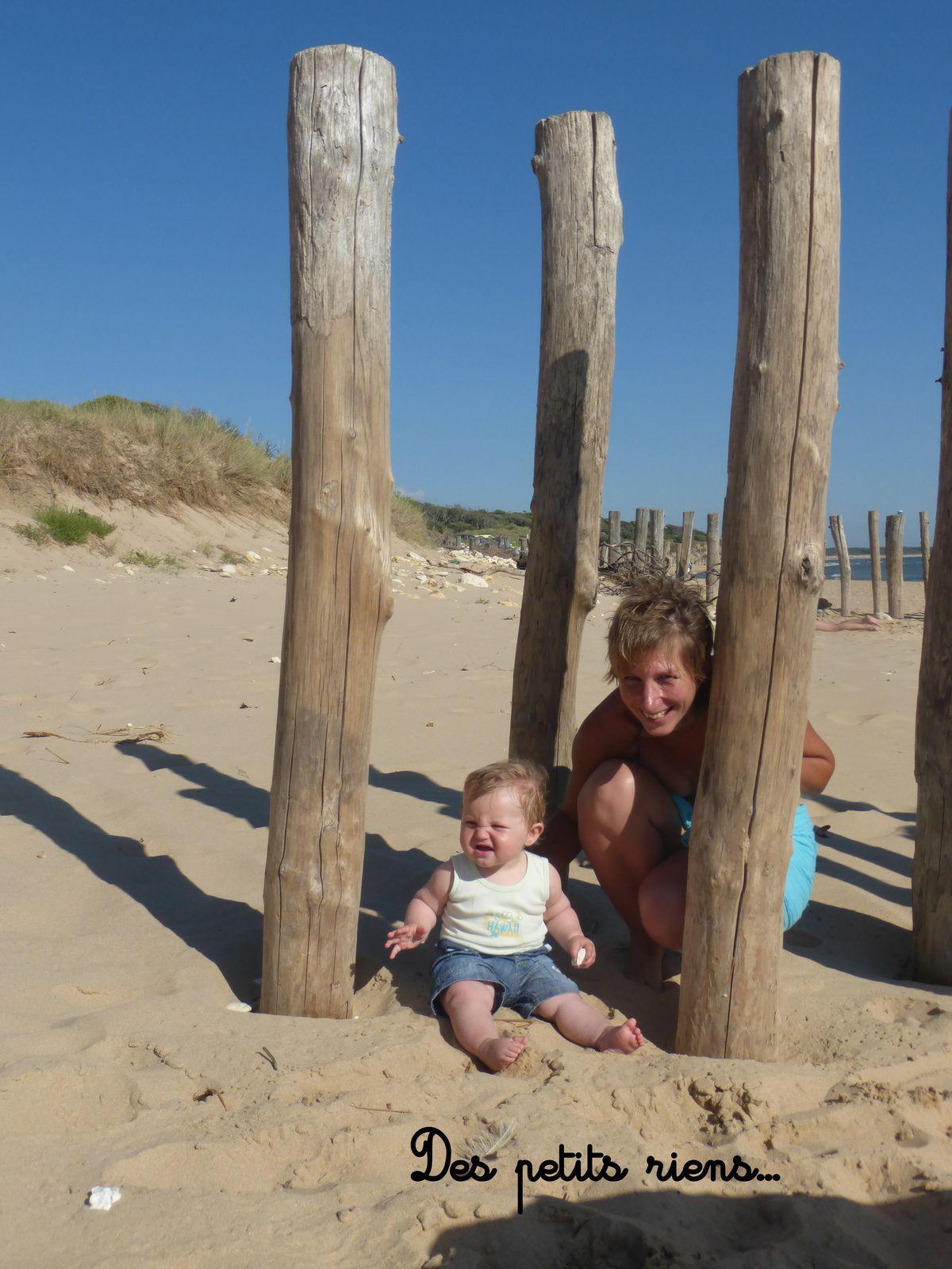 """Sur """"notre"""" plage quasi déserte...On y allait avant d'avoir des enfants et on y va encore...c'est tellement tranquille!"""