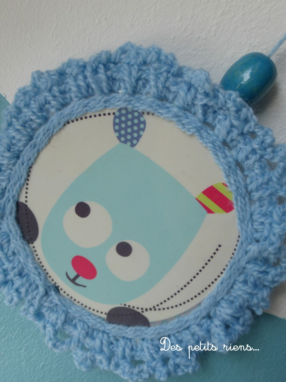 Petits cadres bleus en laine