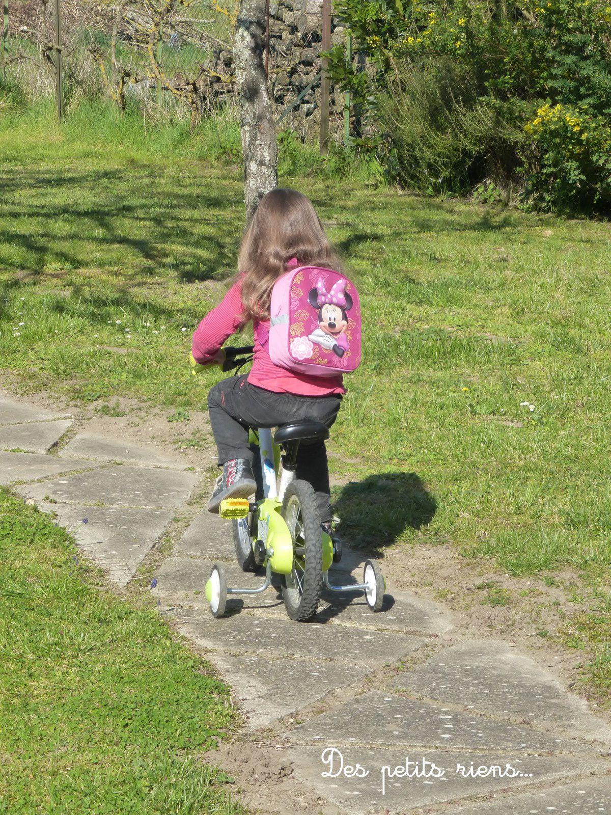 Faire un p'tit tour de vélo sans oublier le sac à dos...