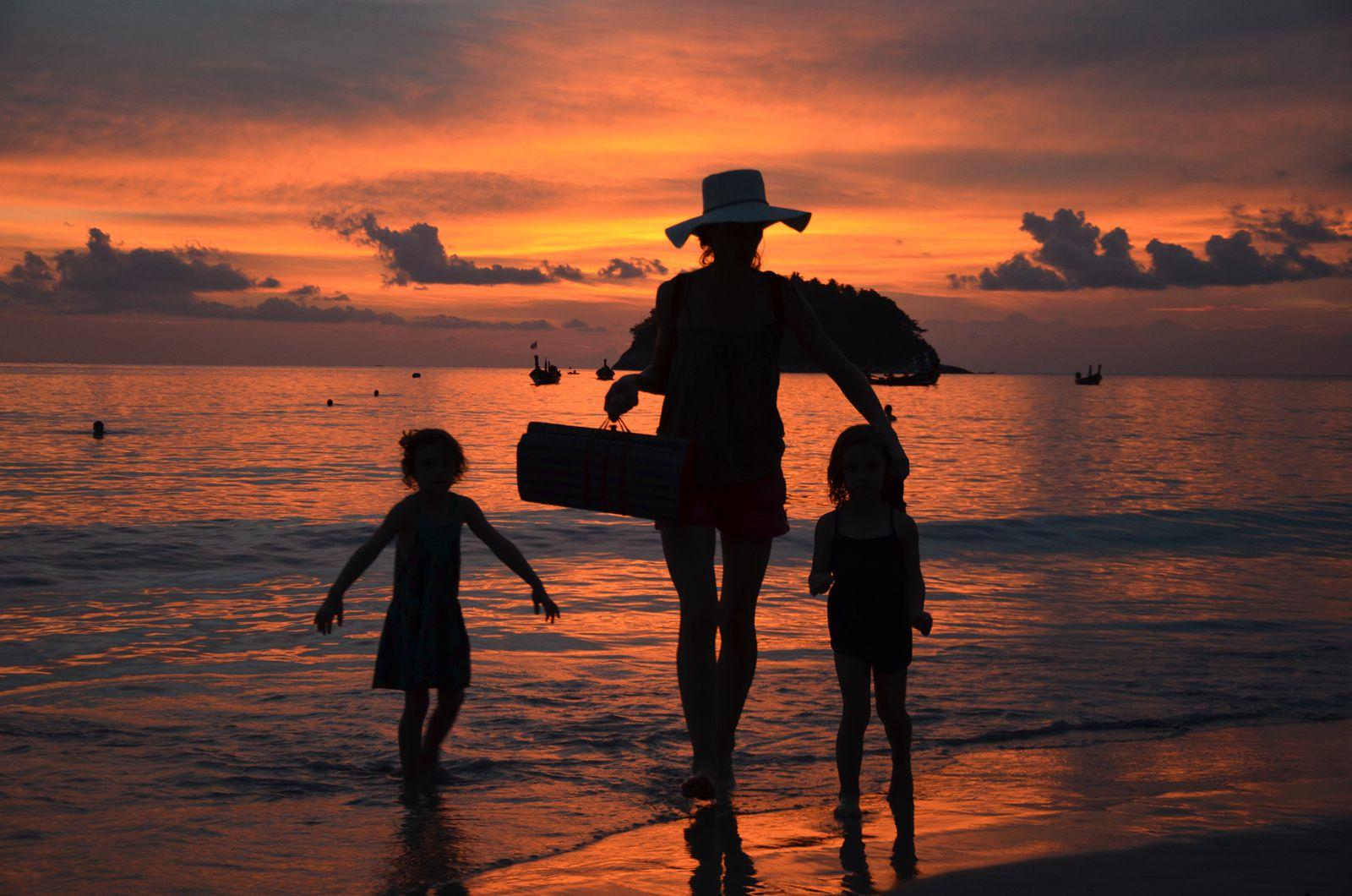 Soirée plage à Kata Beach