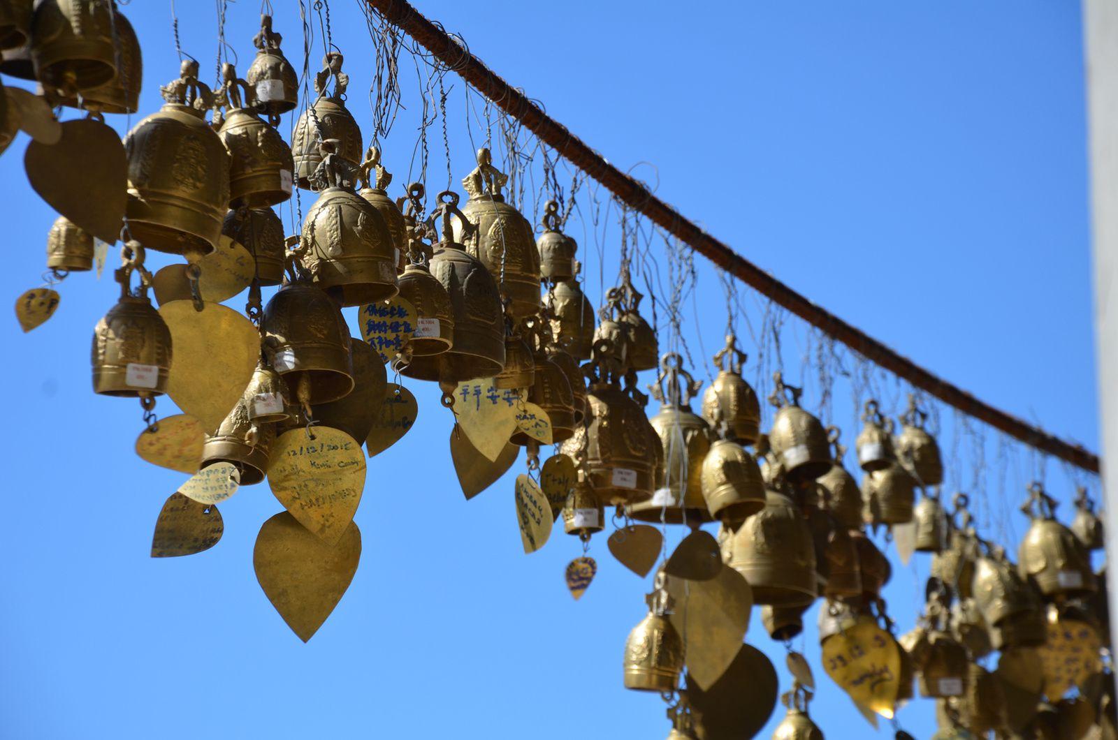 Chaque cloche porte un souhait...