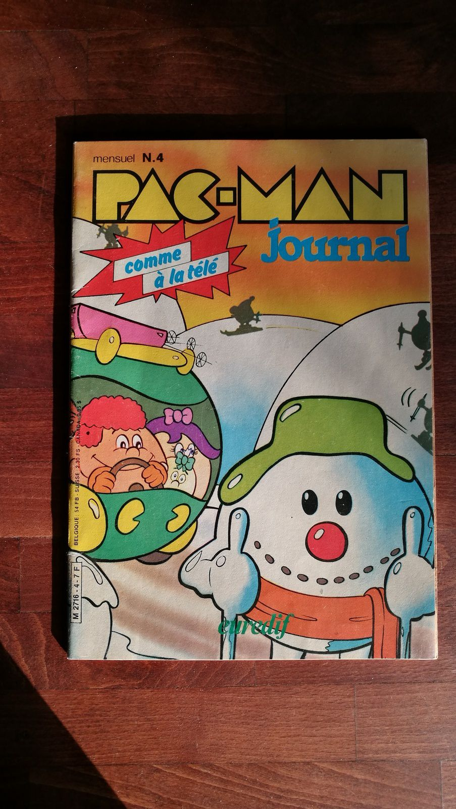 Pac-Man journal - Je trouve ça délicieux et désuet, j'aime beaucoup la publicité pour la montre de l'an 2000 !