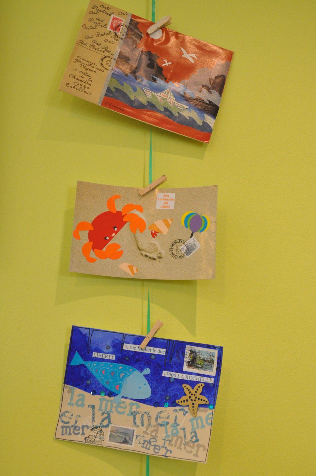 Je n'oublie pas également de remercier Chantal Casamayor de Planta et tous les autres amis mail-artistes qui ont bien voulu adhérer à mon projet et contribuer ainsi à la réussite de cette exposition...Je vous rappelle, chers amis visiteurs, que l'exposition sur la Mer va voguer jusqu'à la Médiathèque Jeunesse de Rochefort sur Mer (Corderie Royale) du 19 au 31 août! Qu'on se le dise!!!!!!!