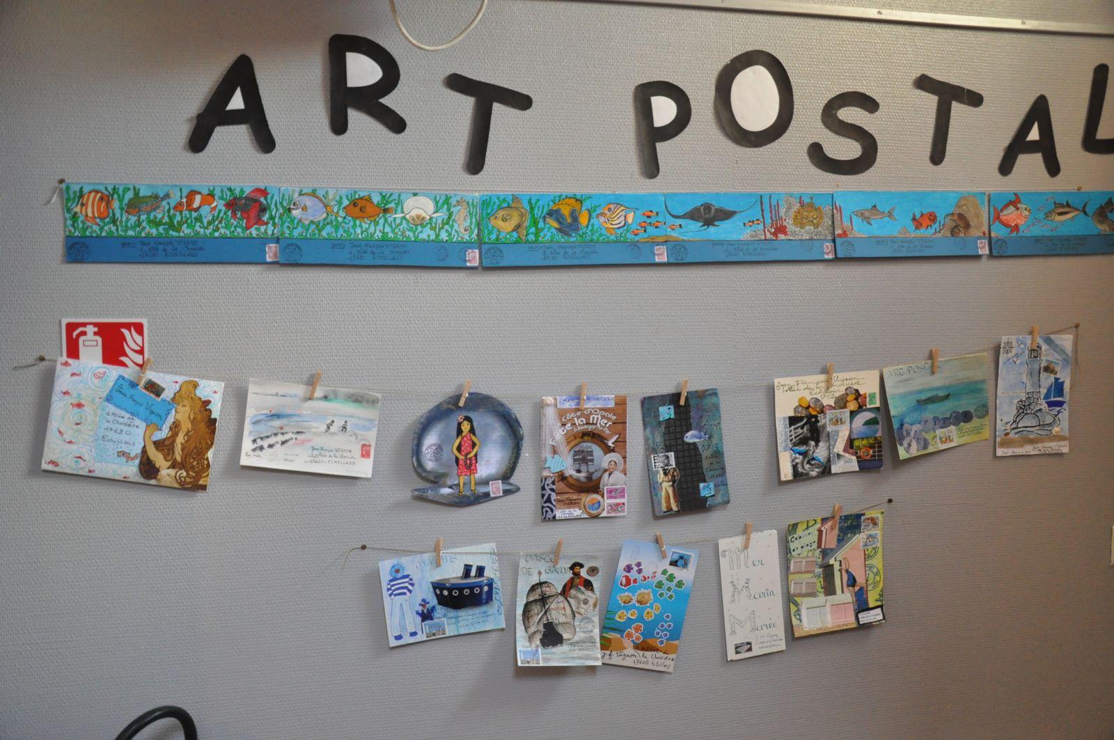 Voici donc comme promis quelques images de l'exposition présentée à la bibliothèque d'Echillais sur le thème de la Mer! Merci de nouveau à Madame Lampin pour l'installation!
